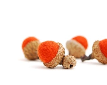 Felted Acorns, orange saffron autumn fall thanksgiving nature woodland decor ecofriendly