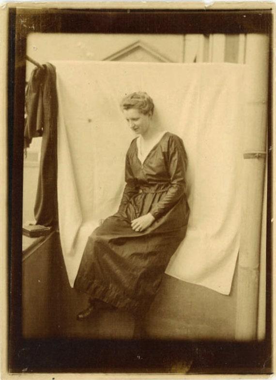 "1919 Vintage Photo ""She Sits Alone"", Photography, Paper Ephemera, Snapshot, Old Photo, Collectibles - 0035"