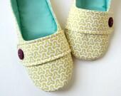 SALE - Women's Slippers -  Yellow, White, Aqua, and Wine 'Moli-Maude' House Slippers