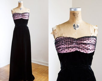 SALE / 1950s Dress - 50s Dress - Strapless Black Velvet Evening Gown