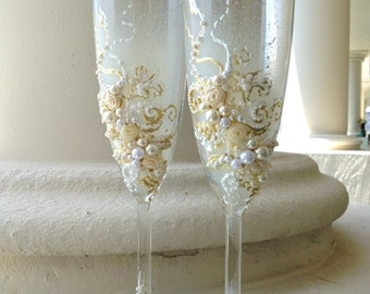 Wedding champagne glasses in ivory and white, wedding toasting flutes, wedding reception, bridal shower gift, custom glasses