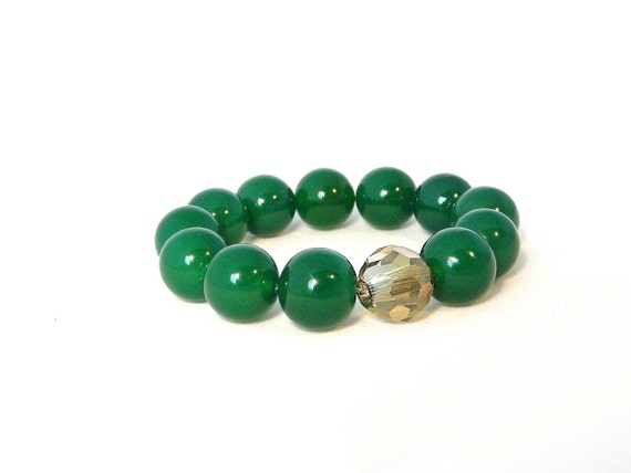 reserved. emerald green agate bracelet with beautiful chunky stones and swarovski crystal focal bead. on trend. pantone