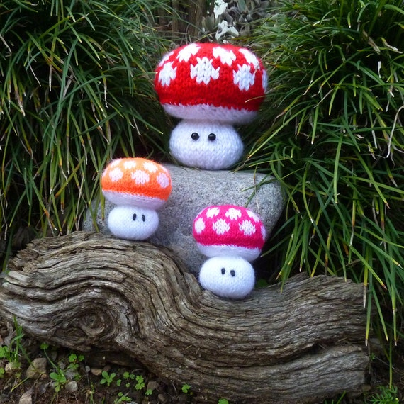 Items similar to Knit Softie Pattern Mushroom amigurumi ...