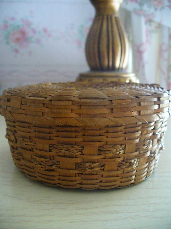 Two Vintage Round Seagrass Baskets Hand Woven Vintage Treasures YourFineHouse