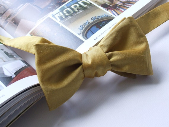 Mustard bow tie in pure silk, self tie, for men, adjustable, mens freestyle.