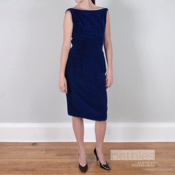 1950s Cocktail Dress in Royal Blue Velvet Party Dress Blue Wiggle Dress Sleeveless Velvet Dress Vintage 50s Short Blue Cocktail Dress