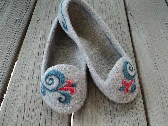 PDF Summer Slippers for Women Felted Wool Knitting Pattern