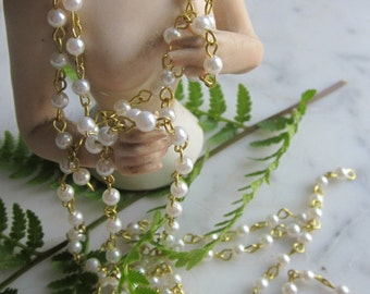 Glass Vintage  White  Pearl   Chain