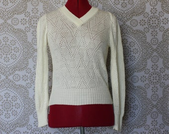 Vintage 1980's Cream Cuddle Knit V Neck Pullover Sweater XS