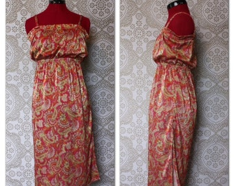 Vintage 1970's Pink and Red Metallic Paisley Print Sun Dress Small