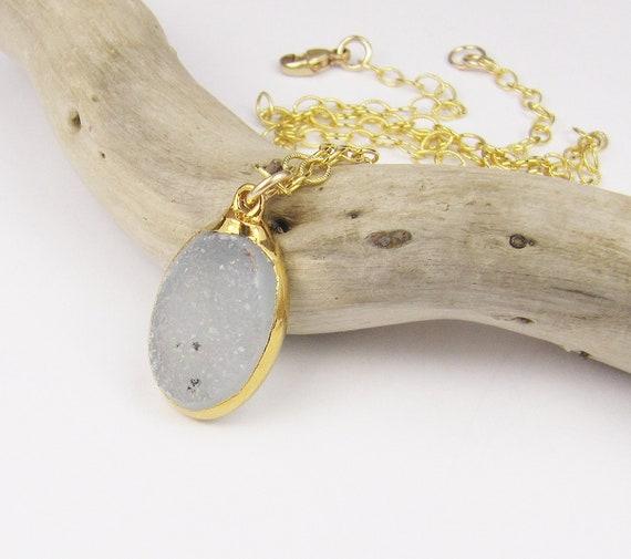 SALE....Druzy Necklace, Druzy Pendant, Drusy Necklace, Gold Necklace, Drusy, Drusy Pendant, Drusy and Gold Necklace, Gold Druzy Pendant