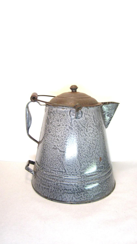 Antique Graniteware Coffee Pot Large Chuck Wagon Gray Speckled