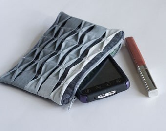Textured Ombre Zipper Pouch, Grey *SALE*