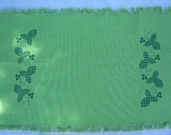On Sale - 1960s Vintage Olive Green Embroidered Table Mat.
