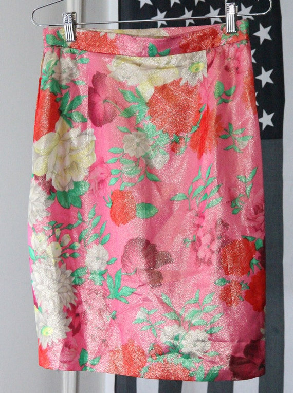 Shimmery Metallic Pink and Red Floral Print Skirt
