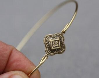 Moorish style flower bangle Moorish style - Antique Flower, Flower Bangle, Gold Bangle, Gold Bracelet, Antique Bangle, Wings Bracelet