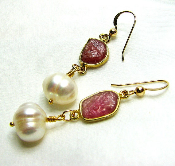 Pink sapphire earrings White pearl drop earrings Gold dangle earring Gemstone jewelry Beaded jewelry