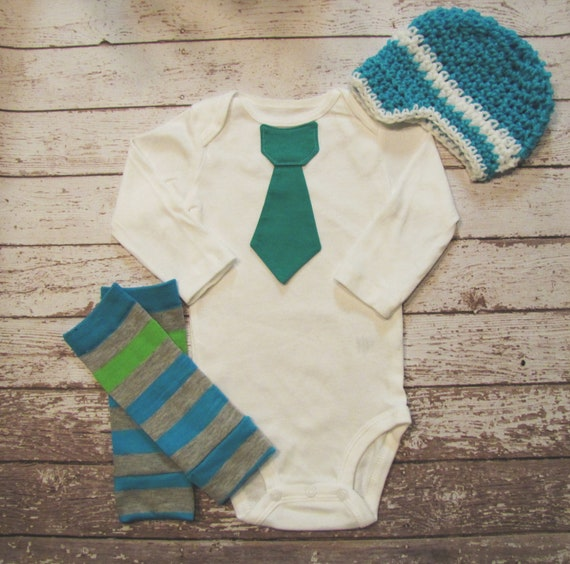 Baby boy tie onesie/bodysuit, crochet hat and leg warmer set, green. blue, short or long sleeves, spring, Baby boy fashion, photo prop