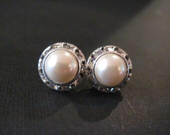 Swarovski Cream Pearl Studs/Cream Pearl Earrings/Bridesmaid Earrings/ Swarovski Studs/Pearl Jewelry/Pink Pearl Studs/White Pearl Studs