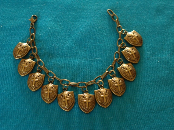 Wizard's Shield Bracelet of Protection (Bronze) - by KingdomoftheGeek