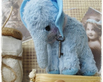 "PDF  Instant Download Pattern / E-Book Mini Elephant  "" KRUMEL "" :) - 4 Inch - Eileen Seifert - Teddy-Manufaktur.de"