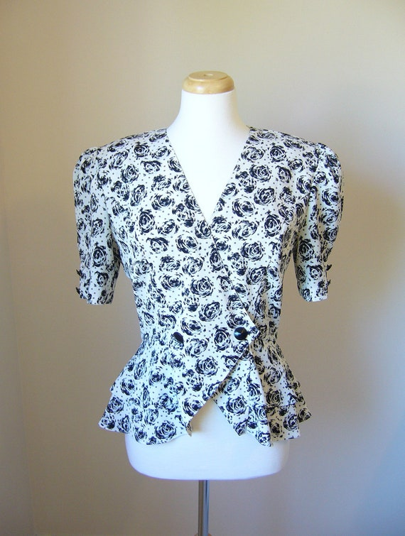 Vintage 1980s PRINTED PEPLUM BLOUSE size Medium/Large