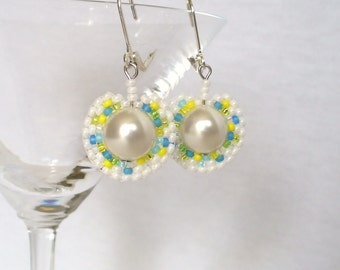 Dangling Pearl Earrings, Beaded Circle Earings, Circular Brick Stitch Earrings, Pearl Beadwork Earings, White Summer Earings - Etsy Germany