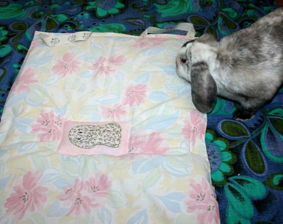 The Bun-velope - soft carrier liner for bunny rabbits quilted pastel print fabric with hand made Lop patch