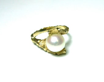14k Yellow Gold Pearl Ring - Bamboo Design - Size 5 1/2 - Weight 3.7 Grams - REDUCED