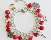 Once Upon a Time: Snow White, charm bracelet, red beads, silver.