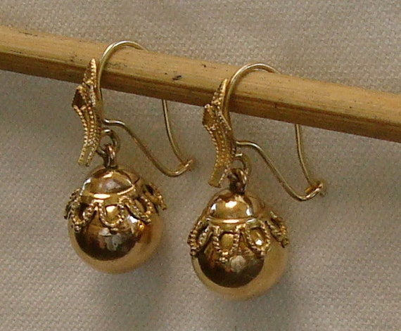 Etruscan Antique Gold Earrings - Victorian Etruscan Revival Gold Earrings