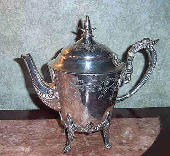 meriden b company silver plate egyptian revival cocoa tea pot. Black Bedroom Furniture Sets. Home Design Ideas