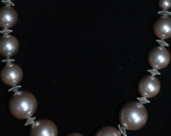 Saorge Silver-Gray Pearl Necklace, Bracelet and Earrings Set