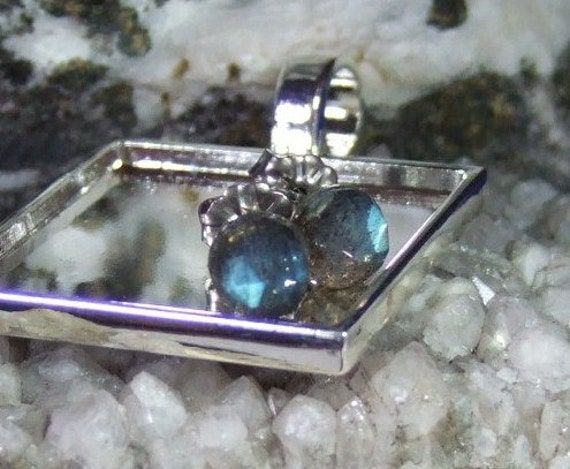 Labradorescence Exists Rose Cuts 6mm Faceted Labradorite Stud Earrings Earings Titanium Post and Clutch Flash Sparkly Magic Hypo Allergenic