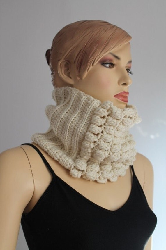 20% Off - Off White Crochet  Scarf -  Cowl Scarf - Neck Warmer