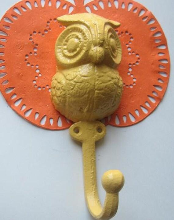 Sale -Wall Hook/ Owl /Ornate /Cottage,Shabby Chic /Key Hook /Accessory/ /Wall Decor /Towel Hook /Whimsy Cast Iron Owl