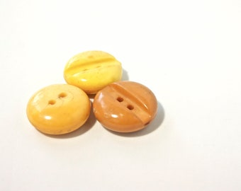 6 Yellow Orange Vintage Buttons - 1960s Plastic Buttons - 23 mm New Old Stock Buttons - SIX Small Pastel Orange Buttons