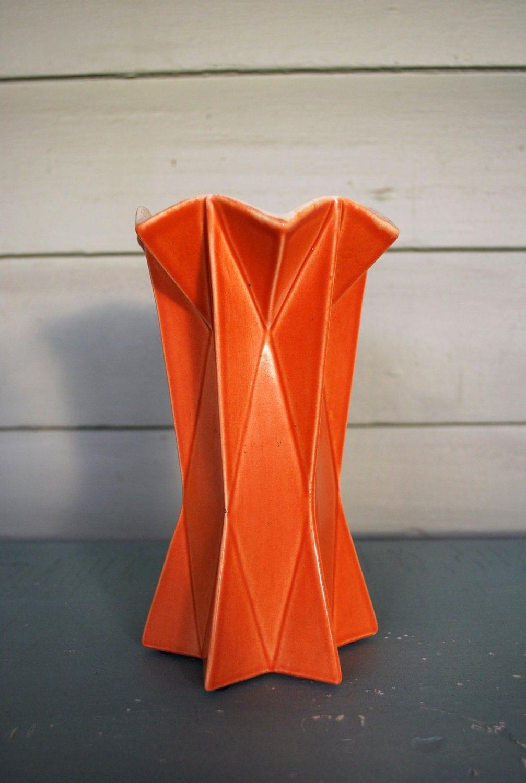 Vintage Red Wing Belle Kogan Prismatique Vase 798