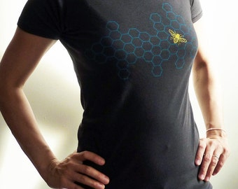 SALE -  XL only - Honeycomb Bee Organic Scoop Neck Tshirt