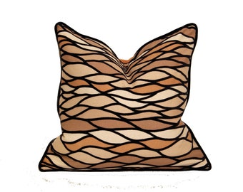 Velour Pattern Modern Wave Pillow