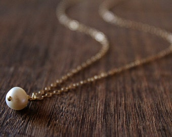 Pearl Drop Necklace // Gold or Silver