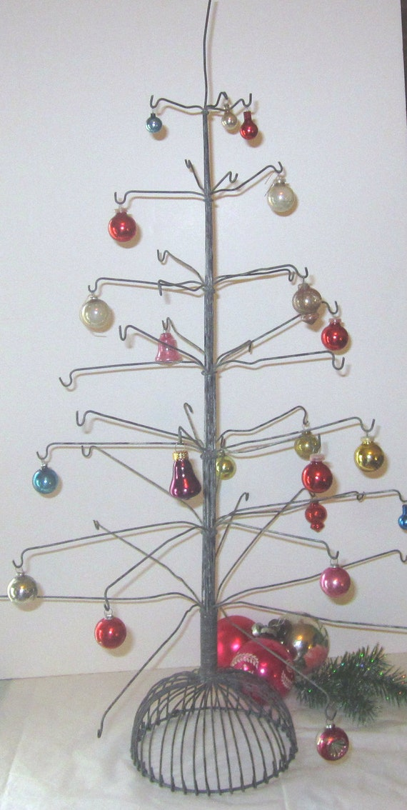 on reserve vintage wire christmas primitive ornament tree. Black Bedroom Furniture Sets. Home Design Ideas