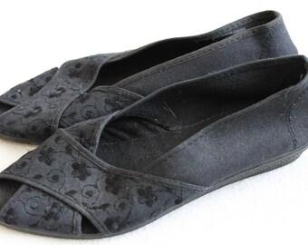 Vintage 1990s Black Embroidered Canvas Sandals Size 5 UK, 7.5 US, 38 EU