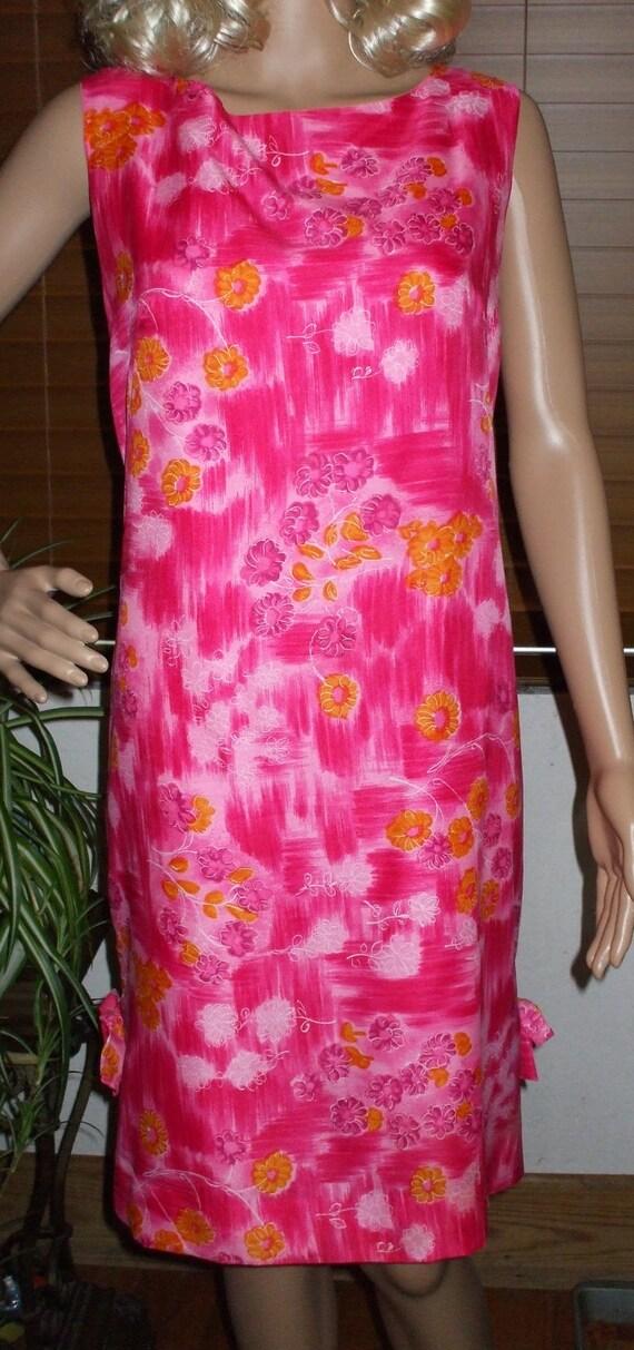 1960s Silk Shift Dress Pink Floral Print - Fully Lined Kalama Fashions Hawaiian