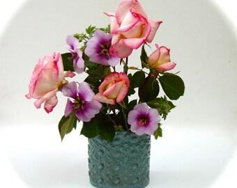 Petite Doily Vase / Hand-Built Pottery / Jade Blue