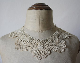 Antique Italian Crochet Collar. Crochet needle irish lace. Circa 1800s.