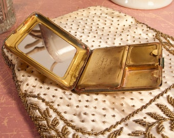 Antique Richard Hudnut Compact. Marked La Soiree Vanity and made in USA on the inside