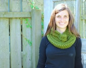 Chunky Crochet Women's Infinity Cowl Scarf - Citron Green