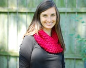 Knit Eternity Scarf - Women's Red Chunky