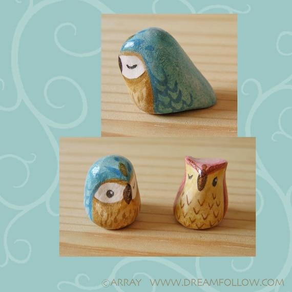 Tiny blue owl mini figure